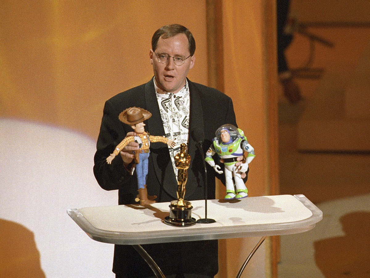 Toys For Awards : Dailies vertical video john lasseter universal