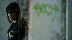 """Kelly Clarkson """"Dark Side"""""""
